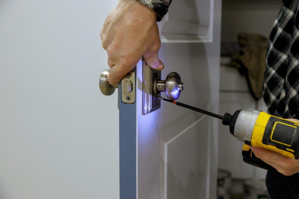 Hvad er forskellen på el låsekasse og en kasselås