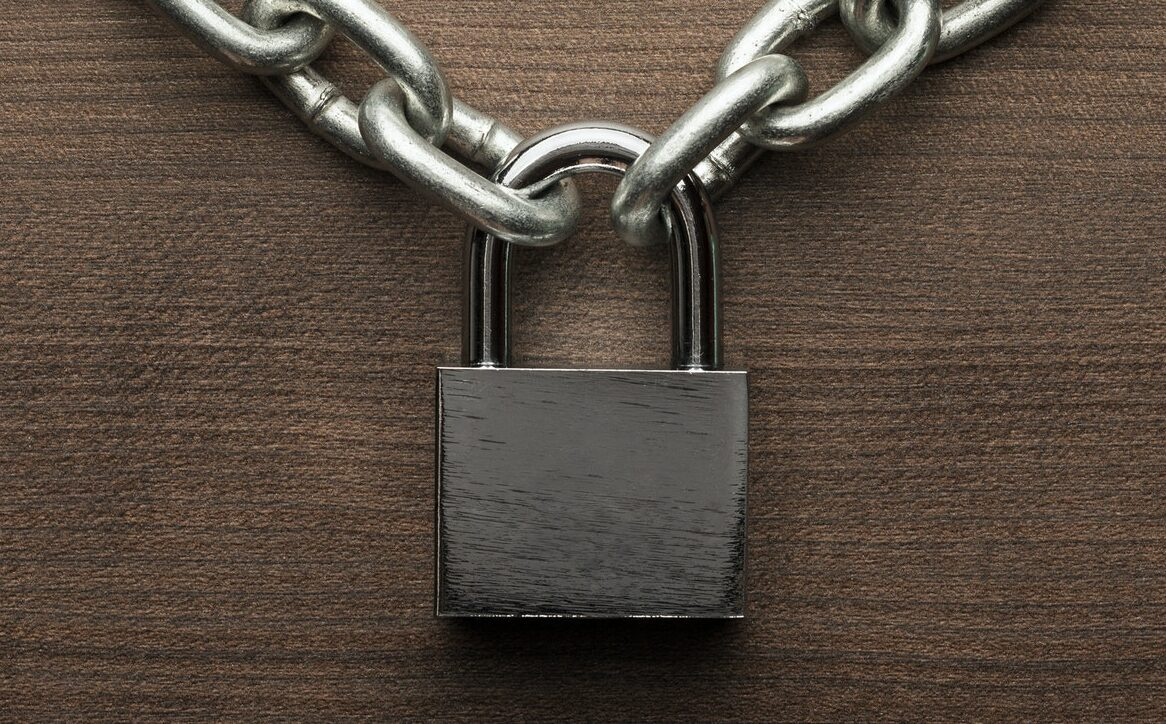 Omkodning af hængelås (Ruko) hos Låsesmed Amager - Vi omstiller hænge lås i hele København